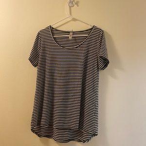 LuLaRoe womens medium striped top